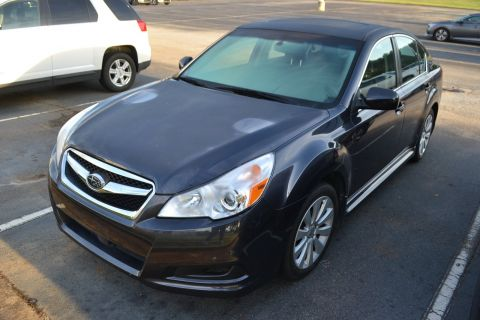 Pre-Owned 2011 Subaru Legacy 2.5i Ltd Pwr Moon/Navigation